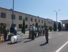 ՍԶ հրամանատար Վ. Սարգսյանը տարբերանշաններ և հավաստագրեր է հանձնել արագ արձագանքման բաժնի զինծառայողներին
