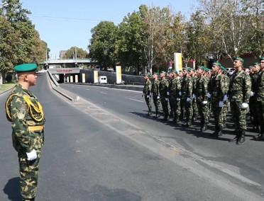 ՀՀ ԱԱԾ սահմանապահ զորքերի զինծառայողները շարային քայլերթով նշեցին Հայաստանի Հանրապետության անկախության տոնը
